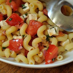 Summer Pasta alla Caprese