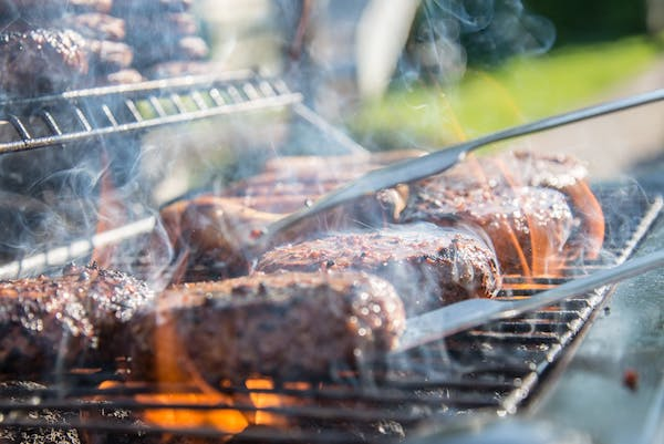 4 Tips Everyone Should Know To Grill The Best Steaks